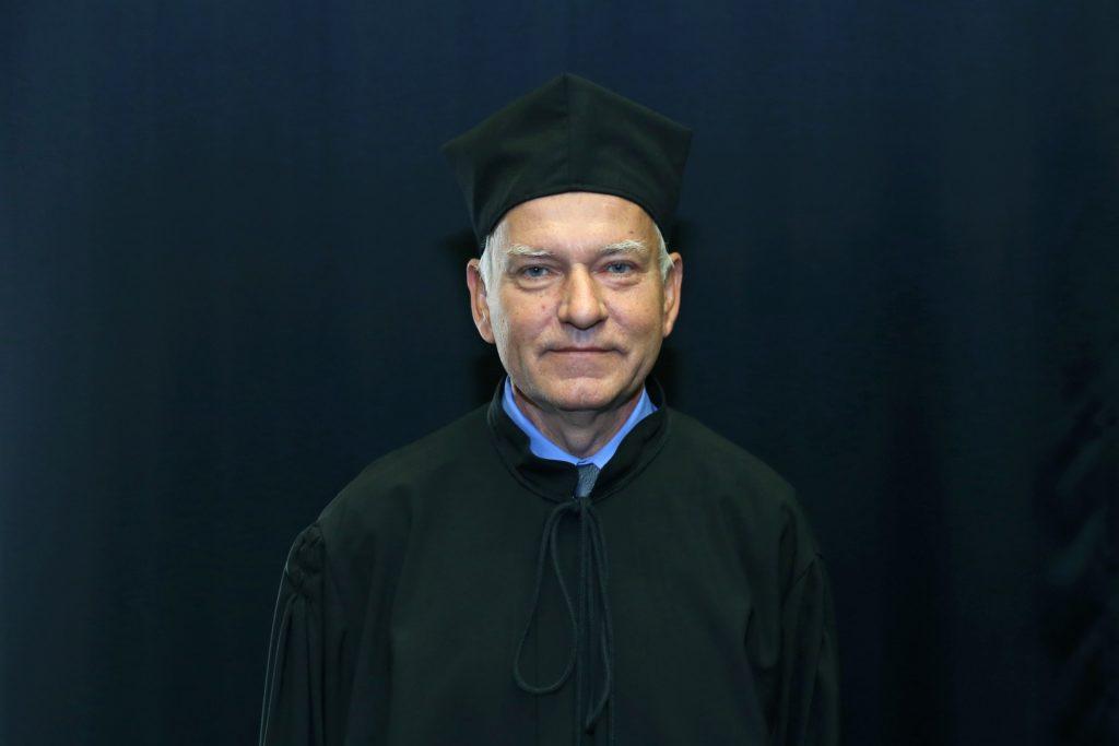 Dr Edmund Kartanas